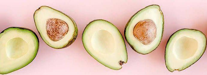 abacates vistos de cima, exemplo de boas gorduras